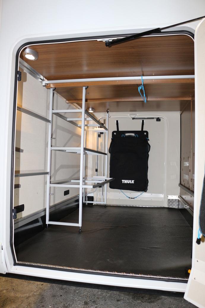 einbau in wohnmobil hymer premium line wieners regalsysteme. Black Bedroom Furniture Sets. Home Design Ideas